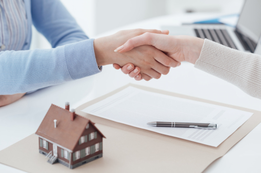 4 Tips to Help You Sell Your House